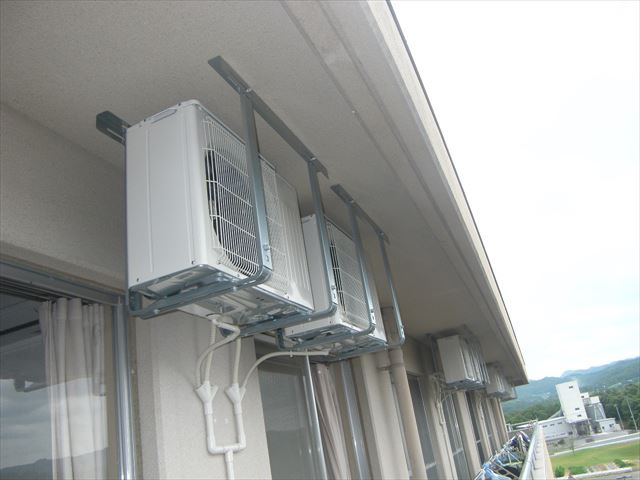 エアコン 室外機 設置状況