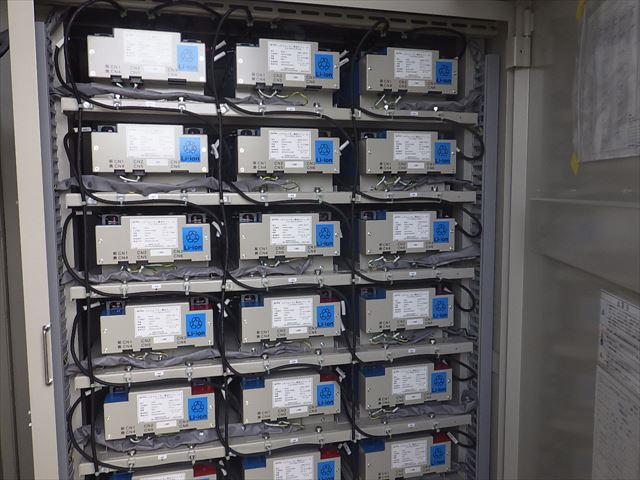 蓄電池(GSユアサ製)